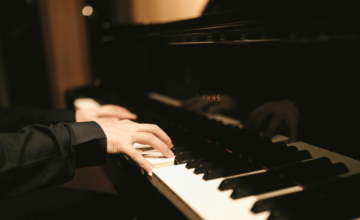 小さなお子様向け『ピアノお手本動画』作ります 音楽教室講師がグランドピアノで演奏する手元動画を作成します☆