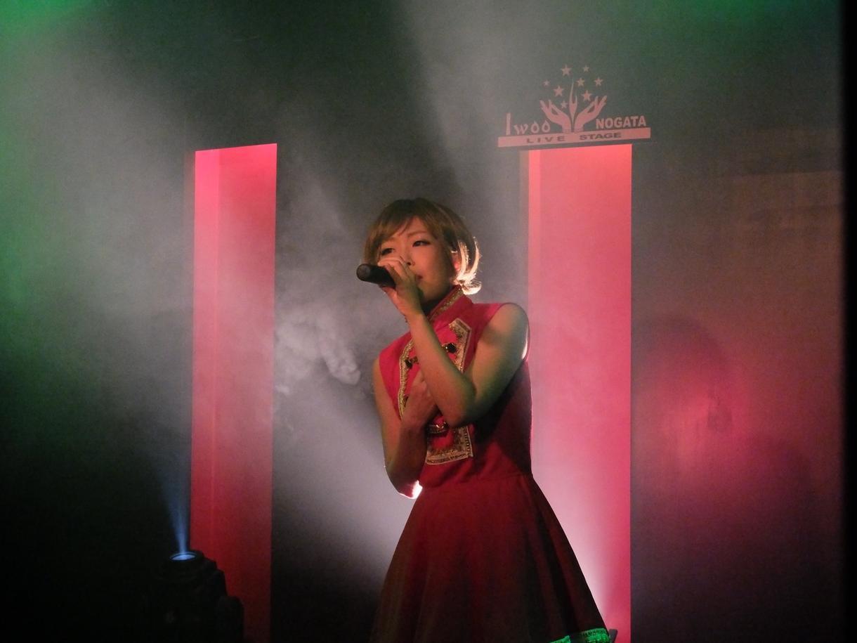 女性ボーカル*商用もOK!歌入れ承ります ジャンル問わず、楽曲イメージに合わせて納品いたします。 イメージ1