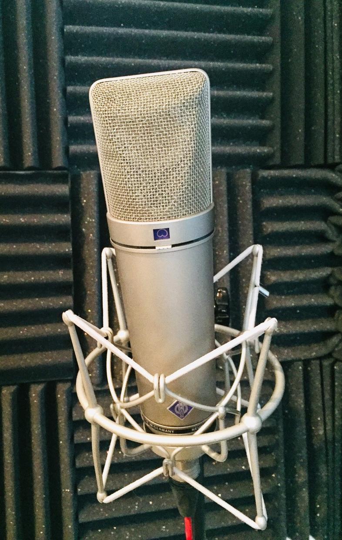 低価格で高品質!!ボーカル&ナレーター録り承ります メジャーアーティスト使用のレコスタと同品質の声録りを!