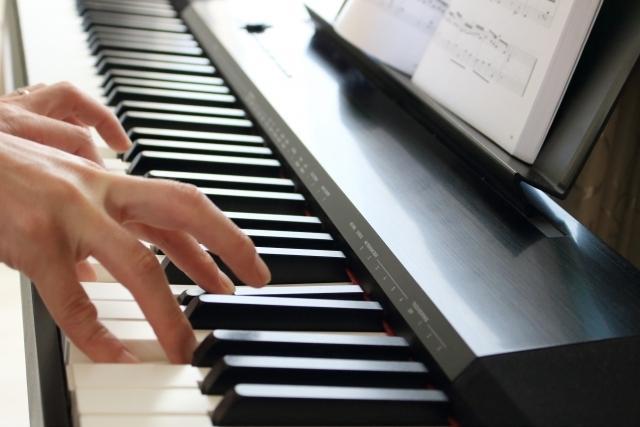 ピアノの楽譜にカタカナのドレミ書きます 楽譜を読む事をすっ飛ばしてまずは弾きましょう♪