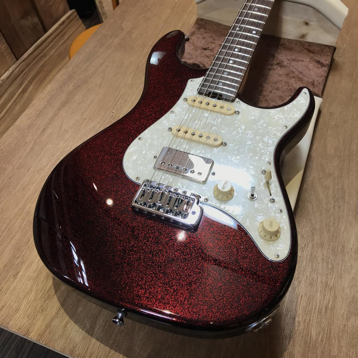 ギターソロその日のうちに付けます 現役ギタリストがかっこいいギターソロを楽曲につけます!!