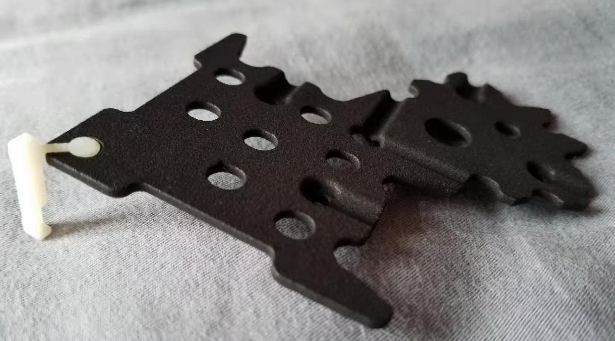 サ5)3DデータをPA/PP素材でプリントします ナイロン樹脂部品をプリントしてそのまま使います。 イメージ1