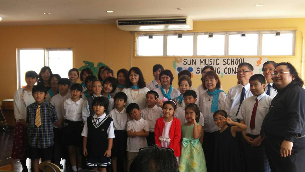 楽しい音楽教室があります 初心者でも大歓迎!弾き語りもヴォイストレーニングも!