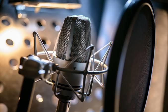 歌ってみた、オリジナルのMIX承ります 携帯録音もご相談ください!3000円で2曲までOK