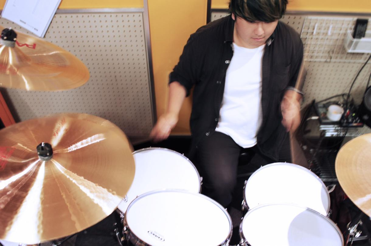 あなたの楽曲に合うようなドラムフレーズ打ち込みます プロのドラマーが考えるフレーズで楽曲を華やかに!