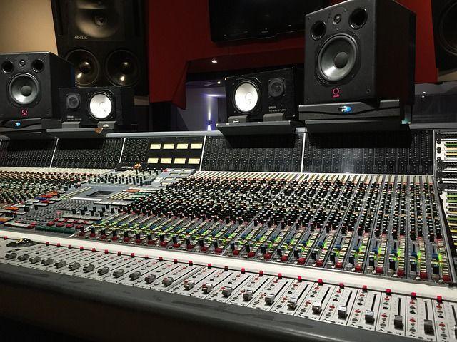 作曲, ミックス・マスタリングはプロが行います プロのクオリティを提供いたします