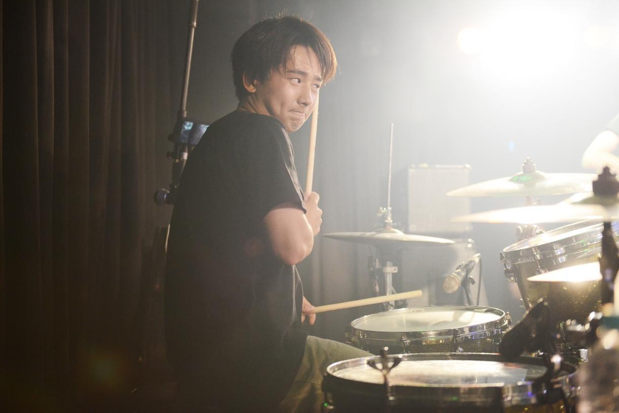 ドラムを教えます こういう風に叩きたい!こんなフレーズを叩きたい!