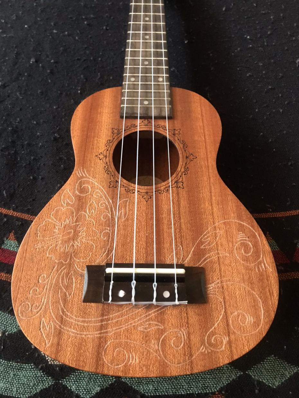ギター等楽器への彫刻承ります 世界で一つのとっておきの楽器にしませんか?