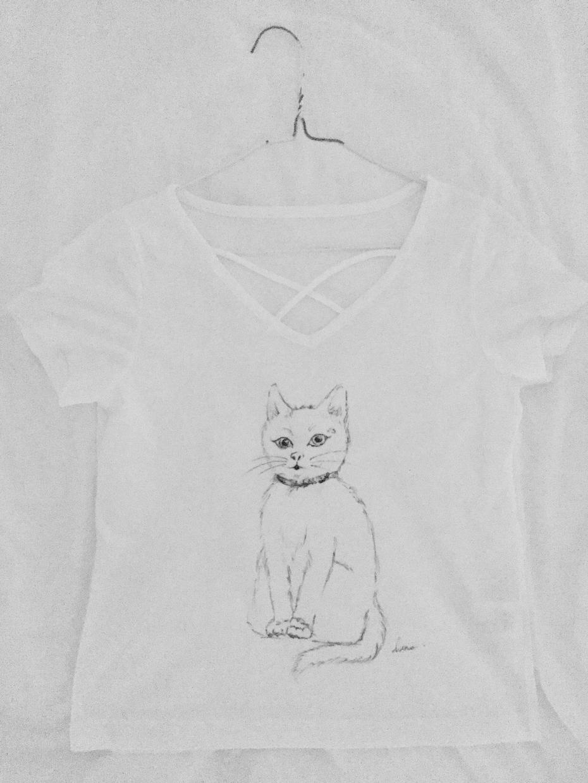 猫Tシャツ制作致します 日々の疲れを癒すニャン!1枚1枚 手描きで描きます!