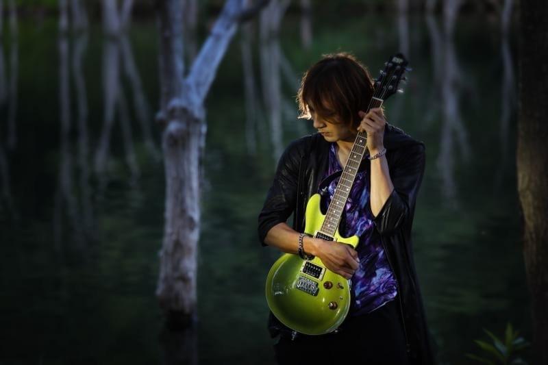 生々しいエレキギター録音します 初回お試し価格で1曲フルコーラス2000円でやります!
