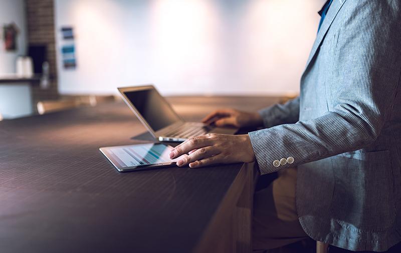プロがサーバ・ドメインの移転を代行します 毎月20件近く移転作業をしているプロが、作業を代行致します
