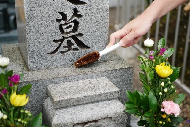 千葉県内のお墓参り・お墓掃除の代行をします 遠方・多忙・高齢によりお墓参りが困難な方へのサービスです。 イメージ1