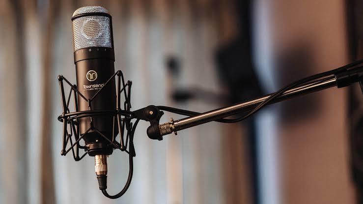 声のプロがこの声を売ります 歌、ナレーション、お芝居、モノマネ、トークお任せください イメージ1