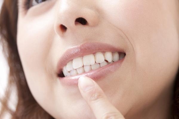 歯を白くする画像加工をします 自然な白い歯にします!印象アップに!