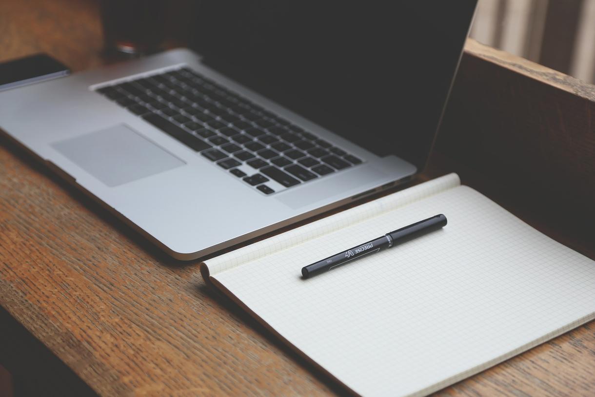 簡単なホームページ修正、ブログ更新作業行います web製作者が簡易なホームページの修正を行います