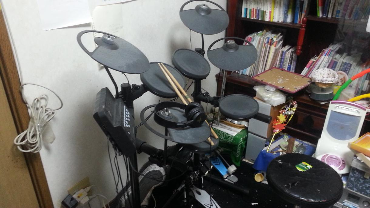 ドラムレッスンします ドラムセットの基礎ワークからライヴまでの準備まで指導します。