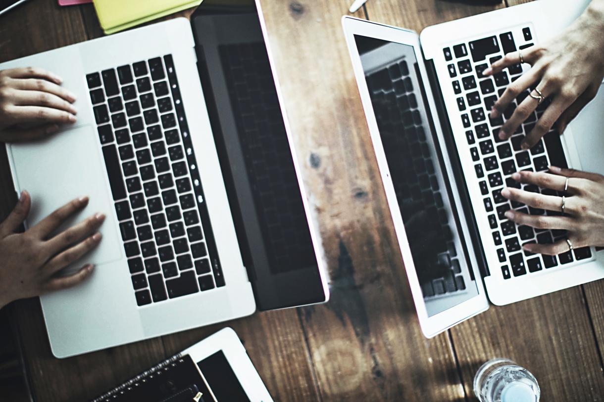 初心者向けにホームページの作り方をレッスンします ドリームウィーバーなどの有料ツールを使用せず、パソコン一台で