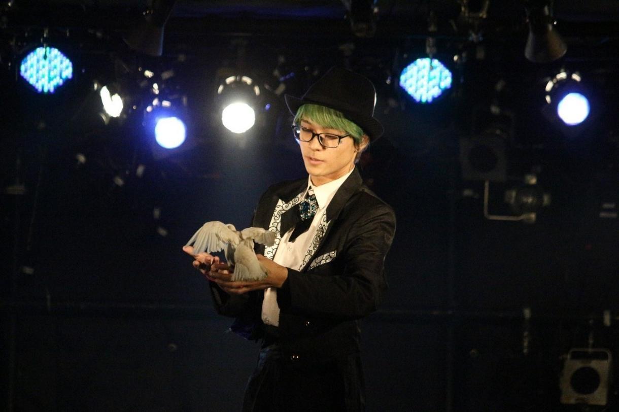 ステージマジックショーの構成教えます 現役ステージマジシャンのショーを教えます。 イメージ1