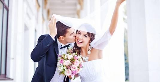 50%オフ!!結婚式プロフィールムービー作ります 約100枚の写真で10分間、感動的なプロフィールムービー作成