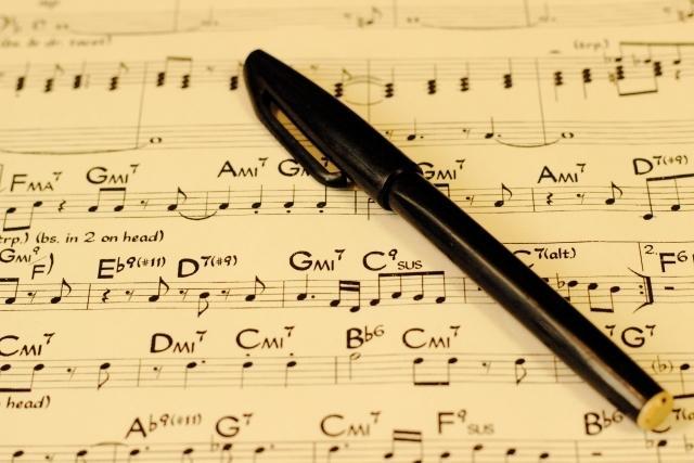 楽譜に音名(ドレミ)書き入れます ヘ音記号・ABC表記・要相談で管楽器の指番号もお入れします!