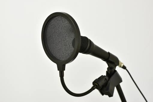 プロのアナウンサーが丁寧なナレーション制作します CM、ナレーション、アナウンス等経験多数!(300件以上)