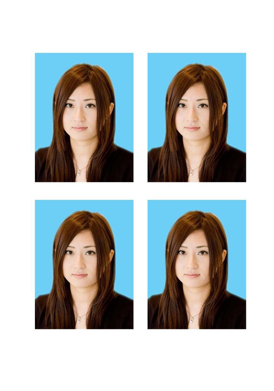 お手持ちの証明写真データを4センチX3センチの4枚セットに加工