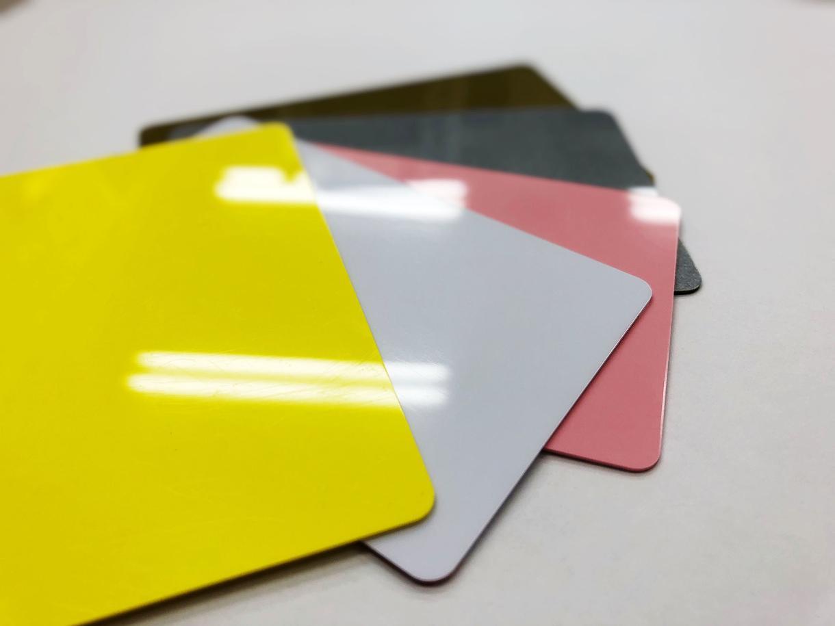 会員証、社員証等デザイン+印刷まで承ります 1枚から可!厚みもしっかりしています(送料込)