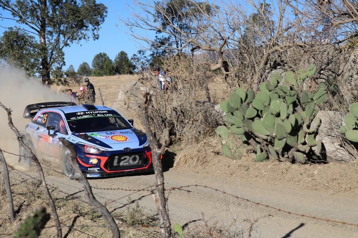 WRCラリーメキシコの写真100枚を売ります メキシコ現地の迫力ある写真と可愛らしい街並みの写真あります♪