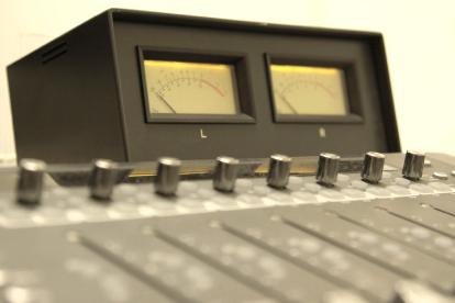 映像・音源等にこだわりの音響効果をお付けします どんなジャンルにも対応可能!ベテランのプロがお付けます!