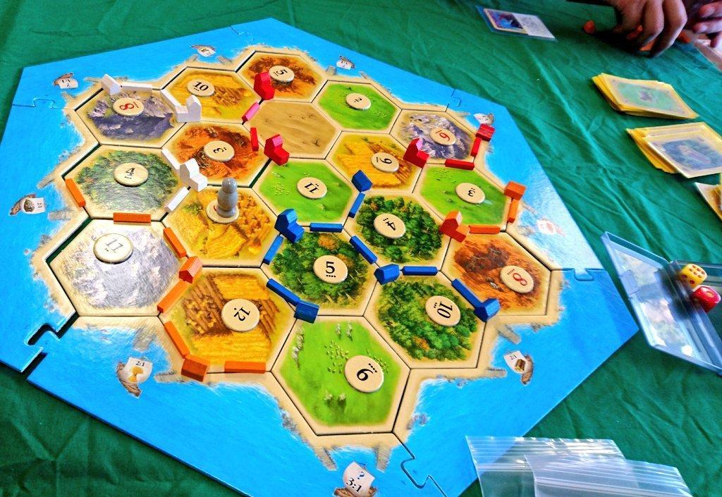話題の世界のボードゲーム、子ども向け紹介説明します ボードゲーマーが児童施設で実際に子供たちと遊んで選びました