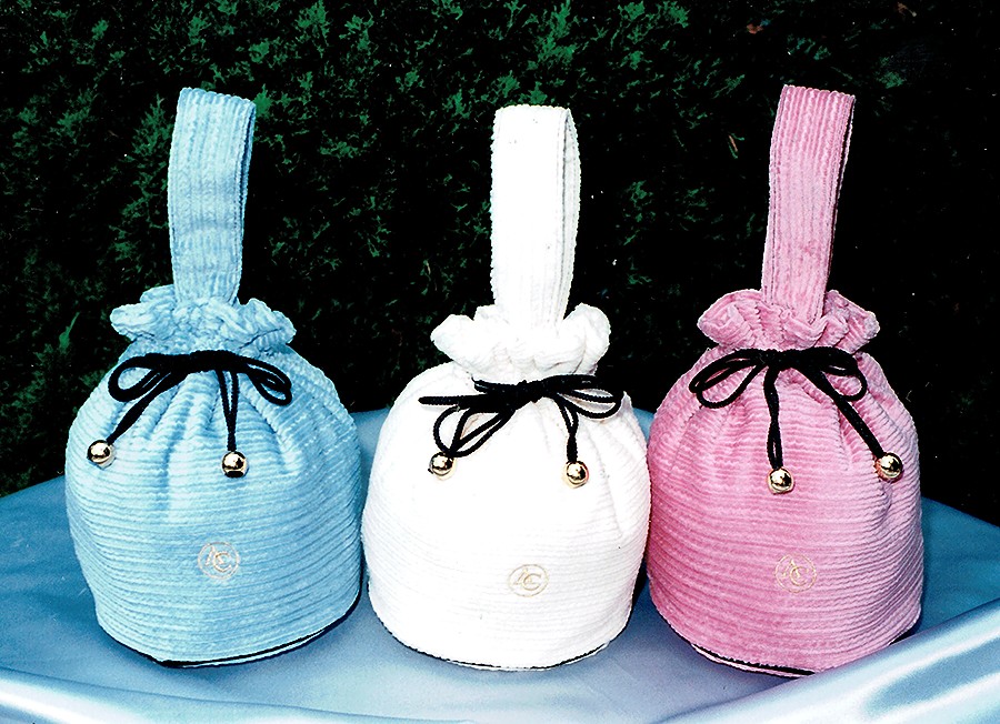 雑貨布製品のポーチ・バック等商品サンプル作成します 企画したポーチ・バッグのサンプル品はどこに依頼したらいいの?