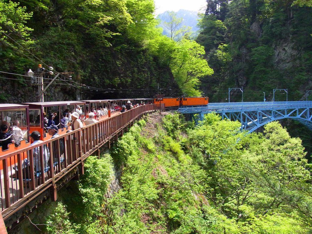 富山県の観光地や美味しいお店教えます 素敵な富山県の旅を案内させてください!