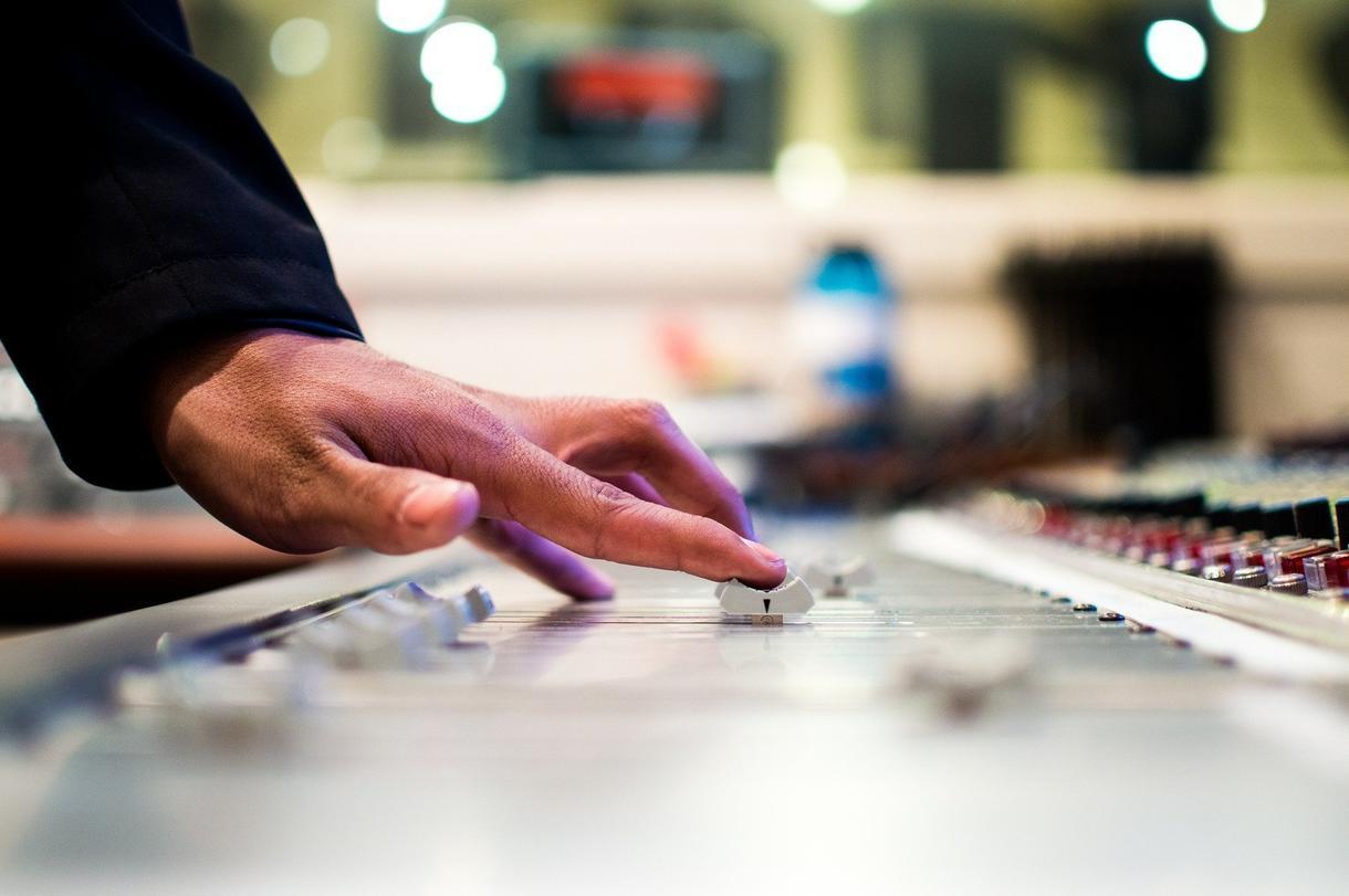 簡易のマスタリングをします 低価格で音圧をあげたり、サウンドの微調整を!