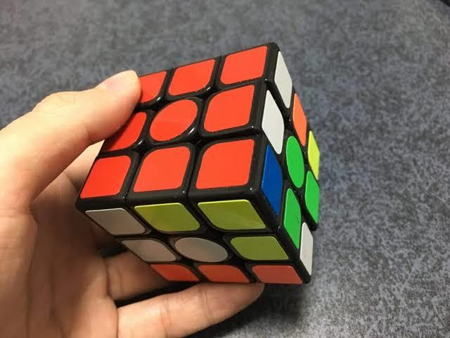 ルービックキューブの揃え方教えます 優しく、できるまで教えます!!楽しくやりましょう!
