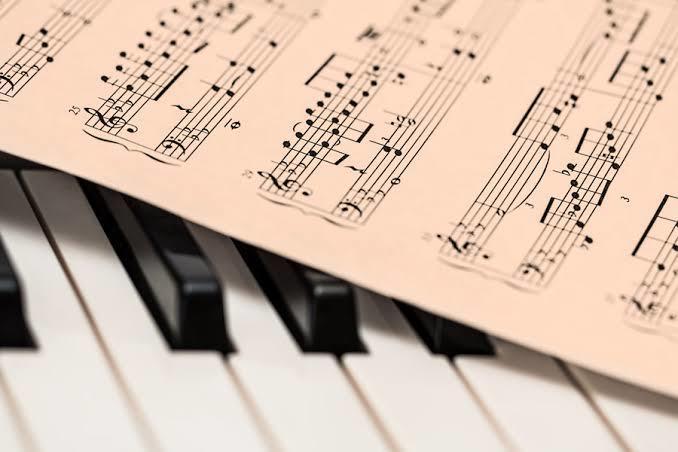 あなたの演奏したい曲のバンドスコアを作ります 初心者歓迎!あなたに合わせたオリジナルの楽譜で演奏しよう!