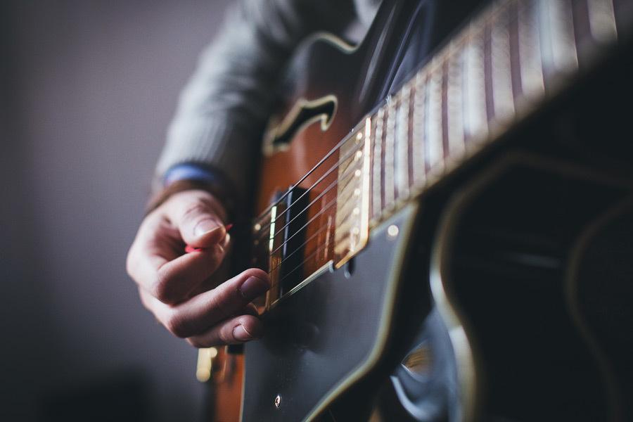未経験歓迎!1人1人に合わせたギターレッスンします プロ講師があなたに合わせたレッスンを!