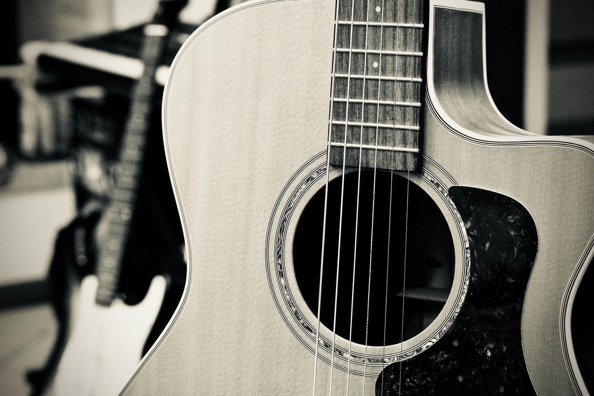 ギターを買いたい方へ!ギター選びのアドバイスします 【初心者向けギターから予算10万以内のギターまで】 イメージ1