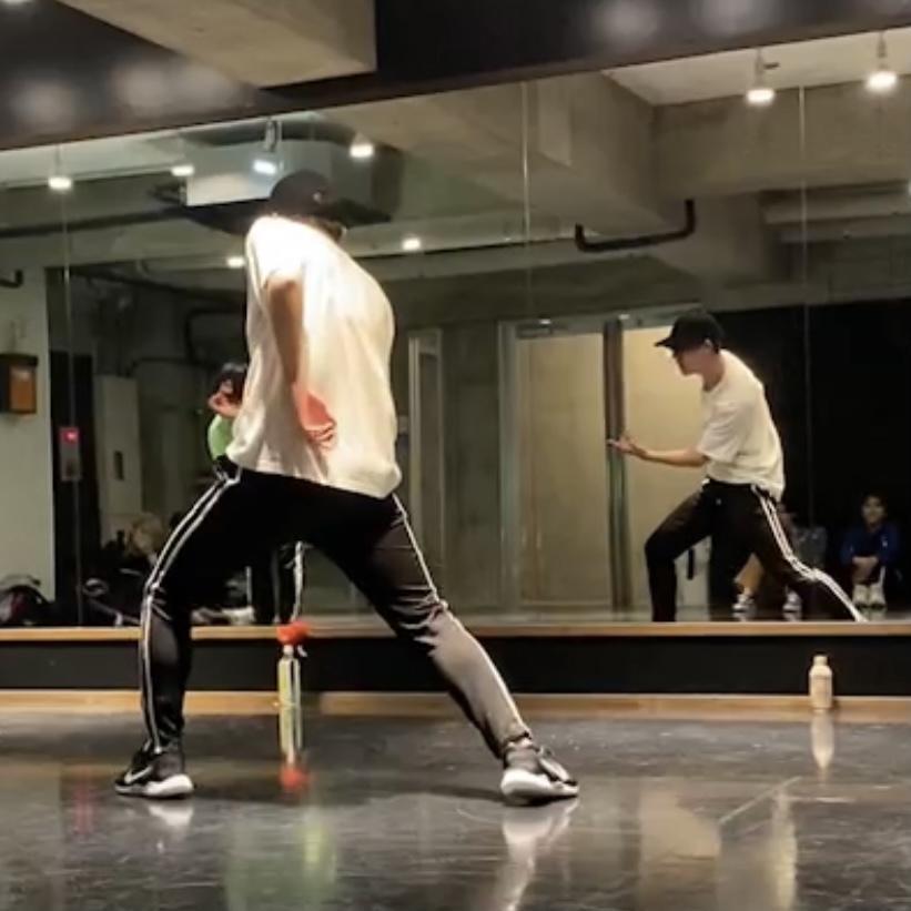 K-popの振りの分かりやすい解説動画お渡しします K-popダンス歴5年!未経験者の方でも踊れるようにします イメージ1