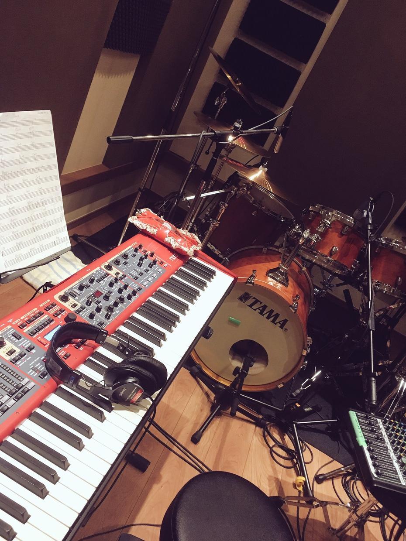 ピアノ伴奏・ドラム音源作成します 歌ってみたや弾いてみたをやるのに演奏が欲しいという方に イメージ1