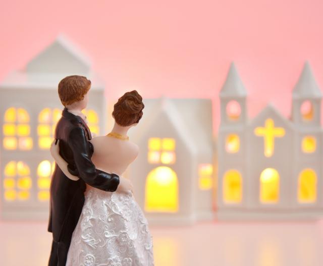 シンプルイズベストのプロフィールムービー作ります 小規模結婚式向けの、シンプルなウエディングムービー。