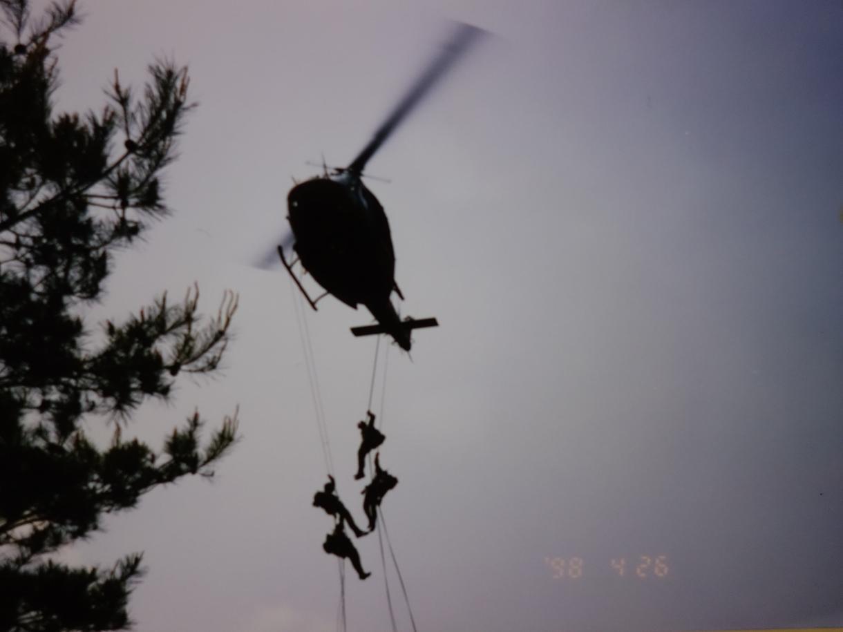 災害時に役立つロープワーク教えます 元レンジャー隊員が教える、簡単で災害時に役立つロープワーク