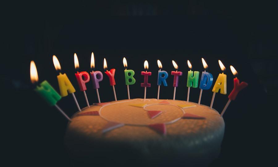 誕生日のムービーをつくります お子様などの誕生日でサプライズなムービーが欲しい方向け