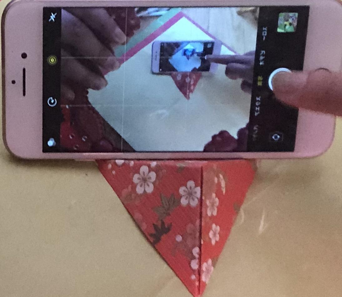 折り紙でスマホスタンド作成致します お好きな折り紙でお好きなイメージの作品お作り致します!