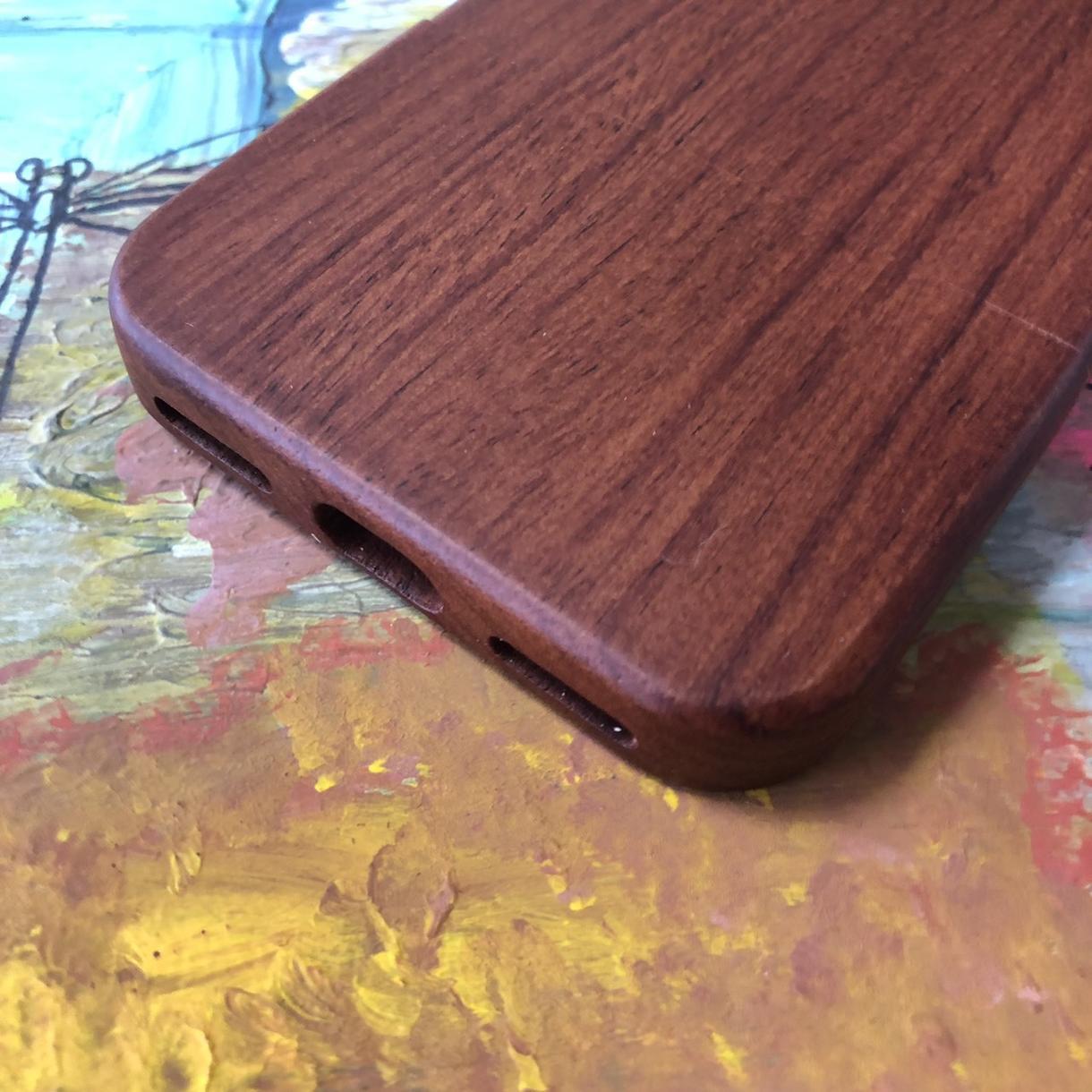天然木製iPhoneケース彫刻にデザイン彫刻ます あなただけの特別なiPhoneケース彫刻作成します!!
