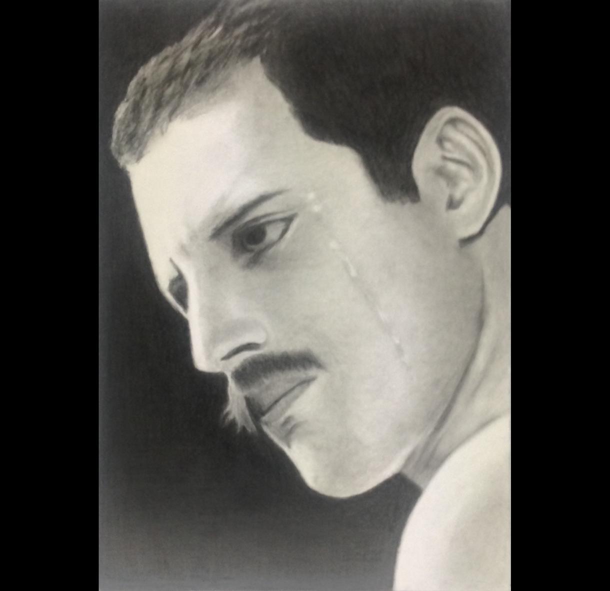 写真から肖像画(A3サイズ)製作します リアルな色鉛筆画(手描き)です