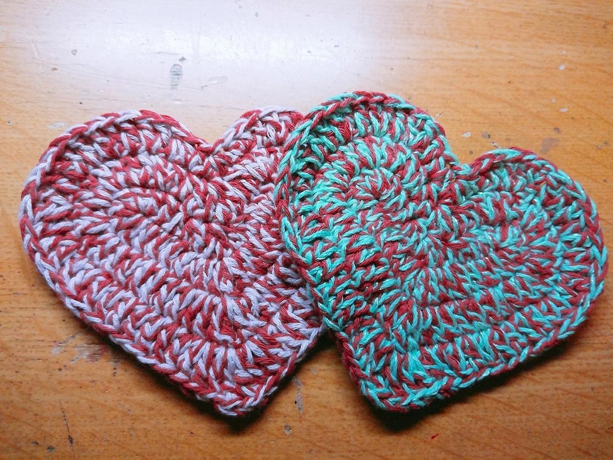かぎ針で編めるハートのコースターの編み方教えます 可愛い形のコースターが編みたい方へ