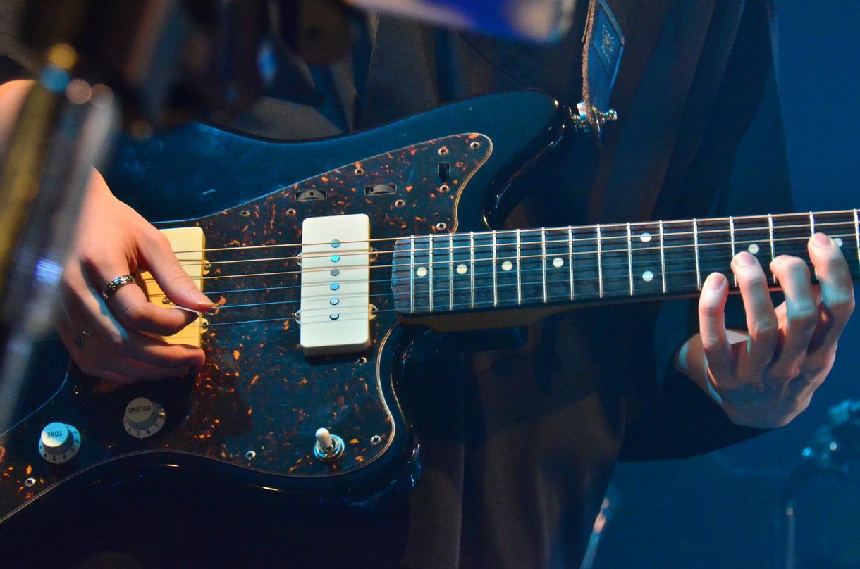 生楽器によるトラック差し替えをします 楽曲の打ち込みを生楽器で演奏します