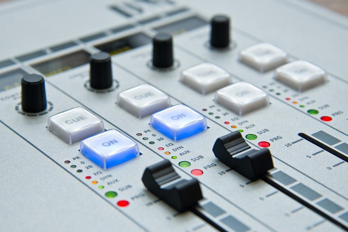 20秒以内のジングルを、格安で制作いたします ネット動画、TVラジオの番組、CM他にご使用いただけます。