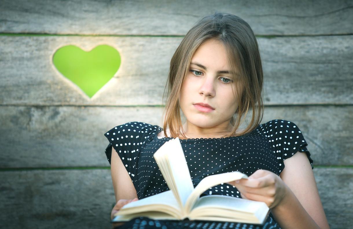 本選びに悩む人にオススメの本を紹介します 小説、ビジネス、ノンフィクションまで幅広く対応します