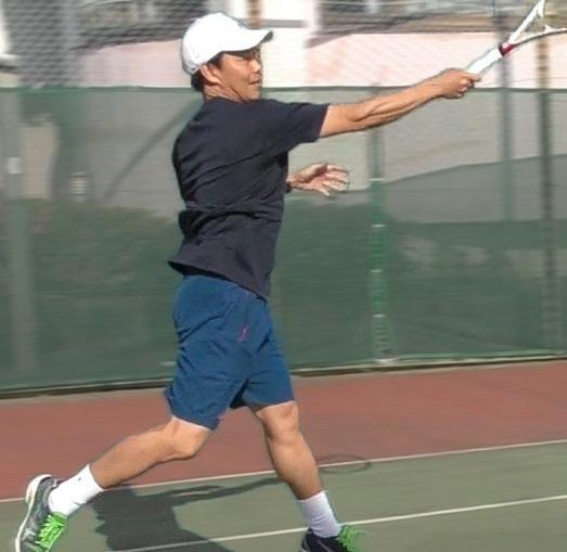 テニス協会公認コーチがフォームを動画で改善します スイング、フットワークどこを直せばいいのか分からない方必見 イメージ1